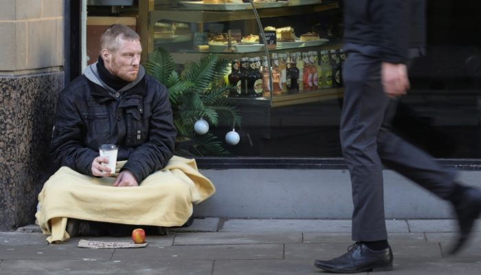 greimwaewweees 631608752 700x400 - Why you should give money directly and unconditionally to homeless people